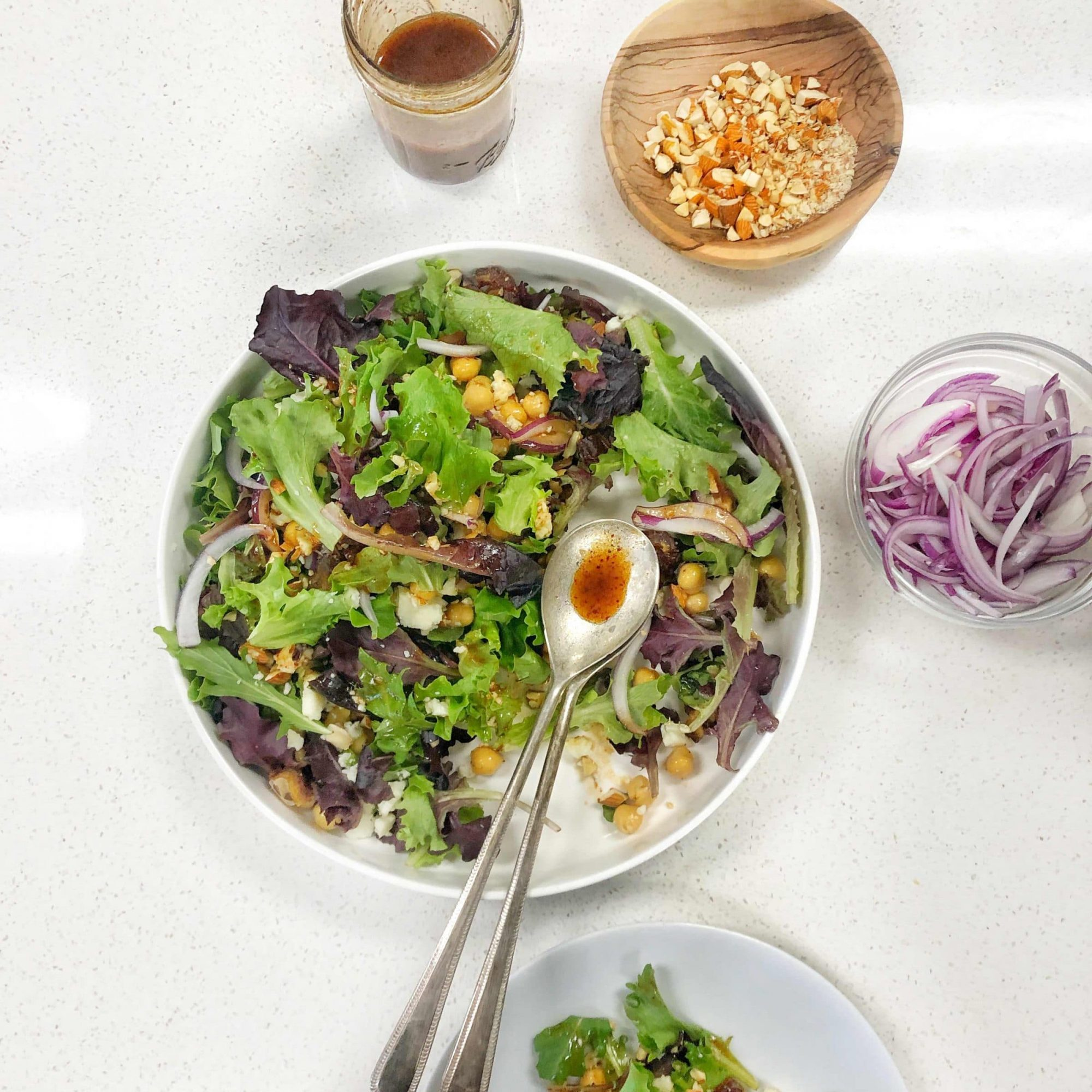 mixed-greens-salad-with-chopped-dates-in-a-date-syrup-dressing_2